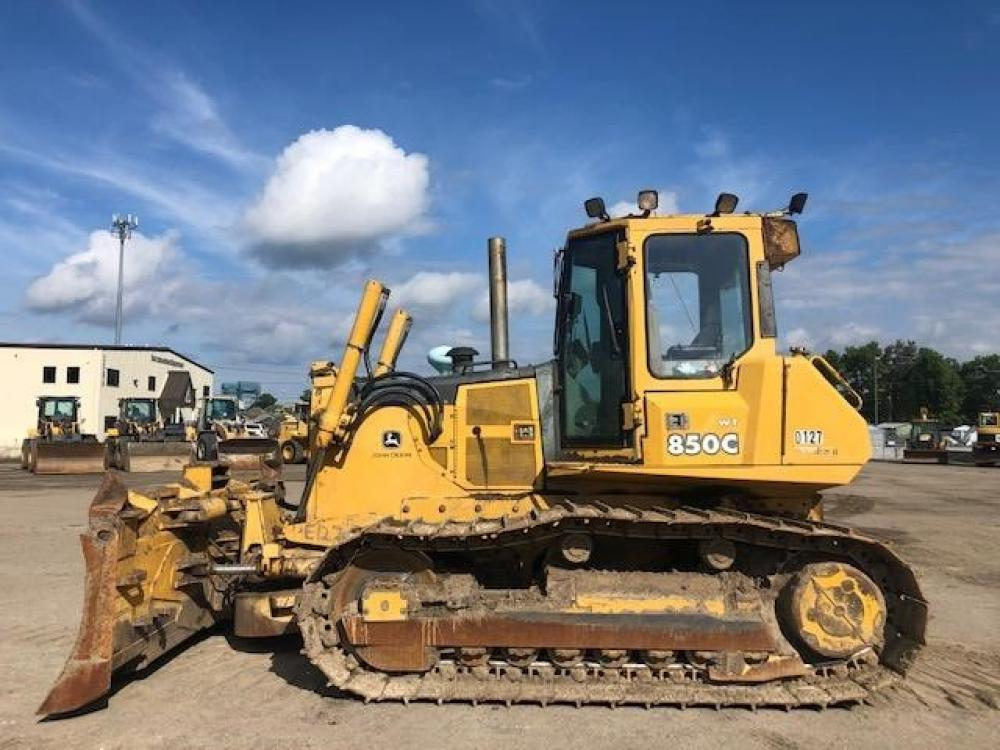 Detail photo of 2003 John Deere 850C from Construction Equipment Guide