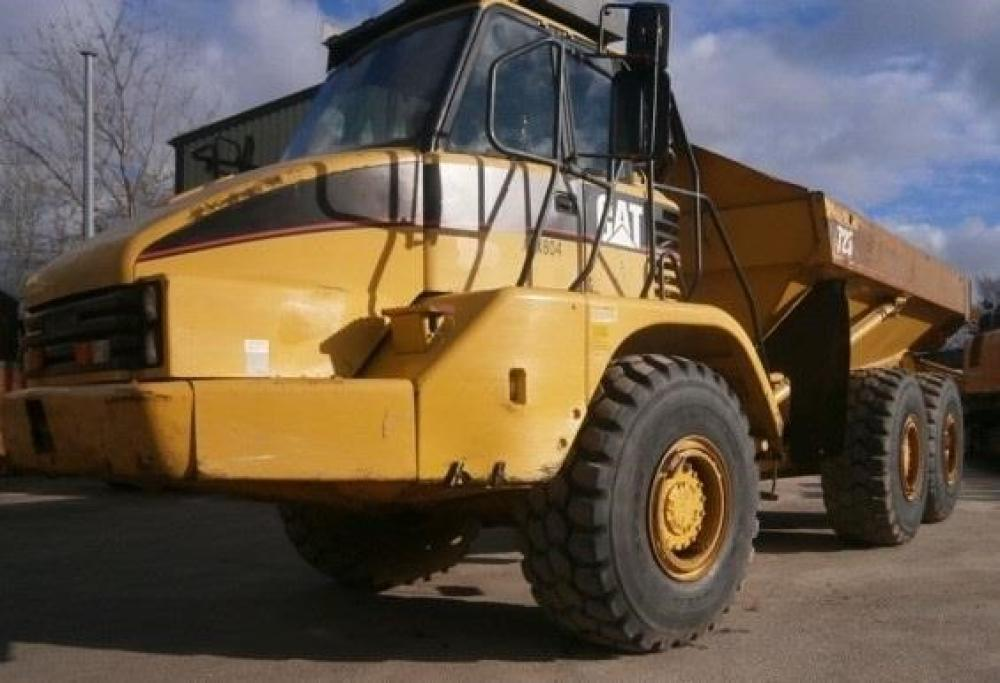 Detail photo of 2003 Caterpillar 725 from Construction Equipment Guide