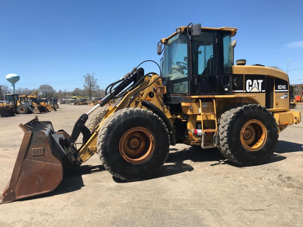 Detail photo of 2004 Caterpillar 924G from Construction Equipment Guide