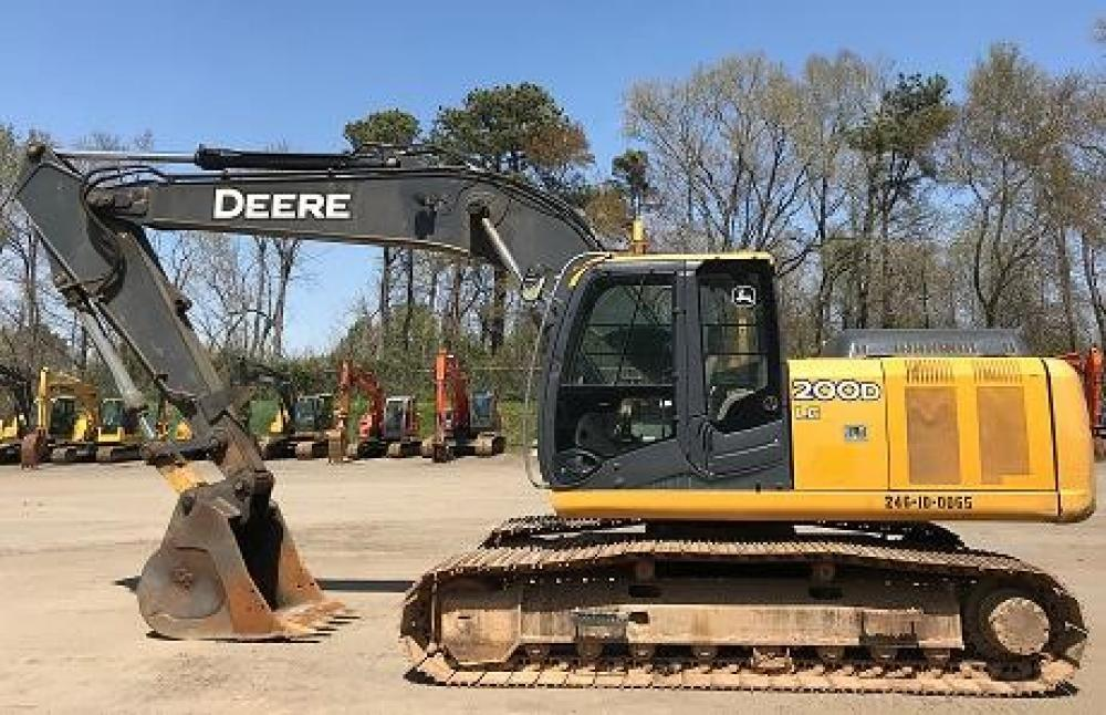 Detail photo of 2011 John Deere 200D LC from Construction Equipment Guide