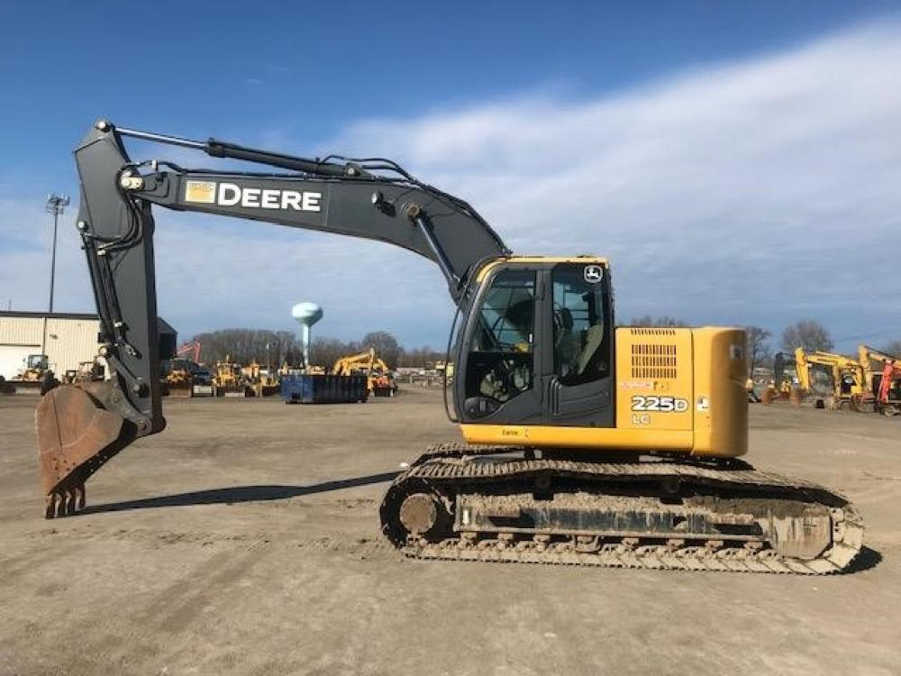Detail photo of 2010 John Deere 225D LC from Construction Equipment Guide