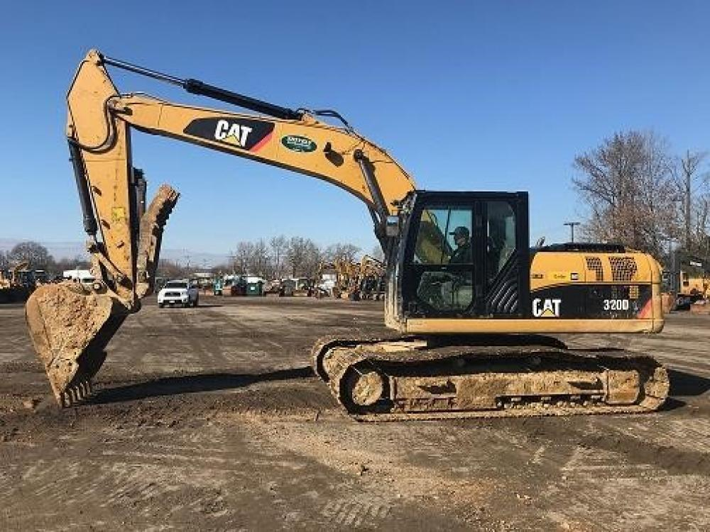 Detail photo of 2010 Caterpillar 320DL from Construction Equipment Guide
