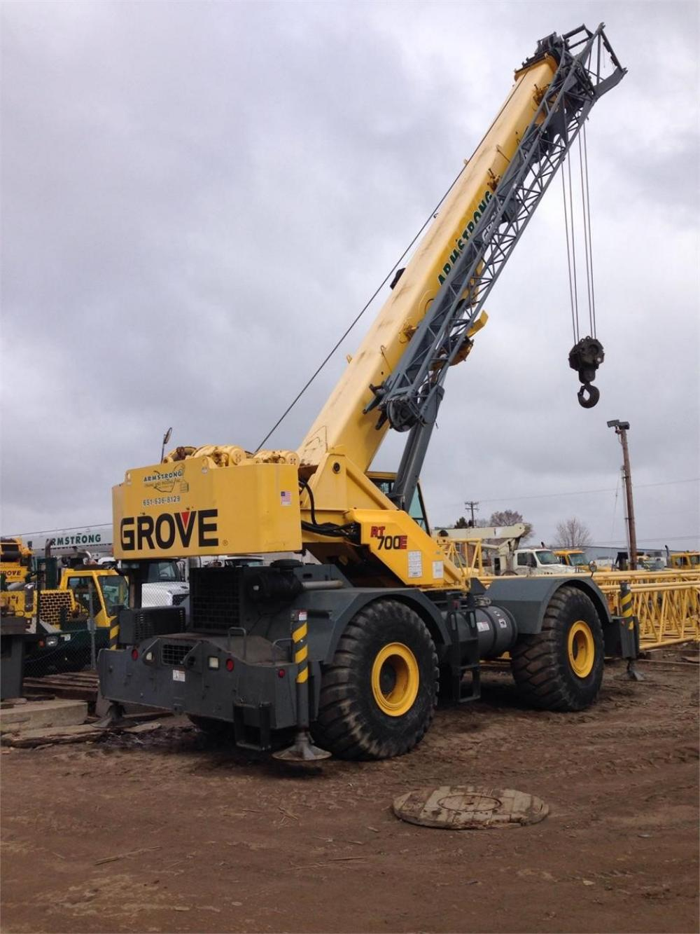Detail photo of 2004 Grove RT760E from Construction Equipment Guide
