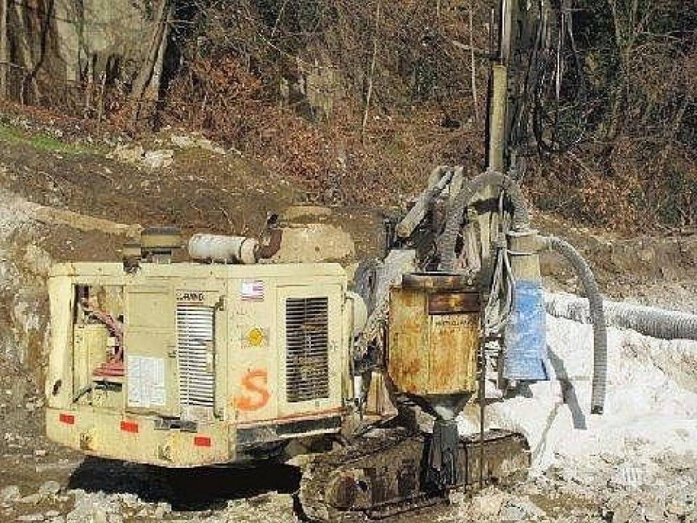 Detail photo of 1998 Ingersoll Rand ECM490 from Construction Equipment Guide