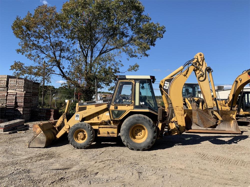 Detail photo of 1993 Caterpillar 426B from Construction Equipment Guide