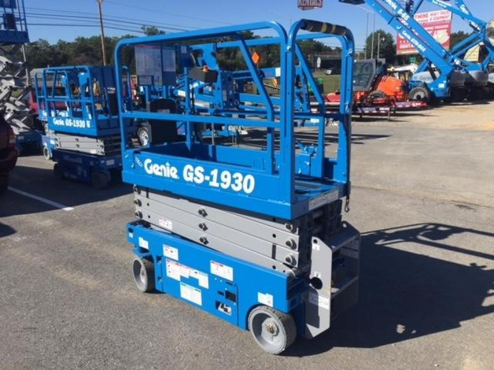 Detail photo of 2017 Genie GS-1930 from Construction Equipment Guide