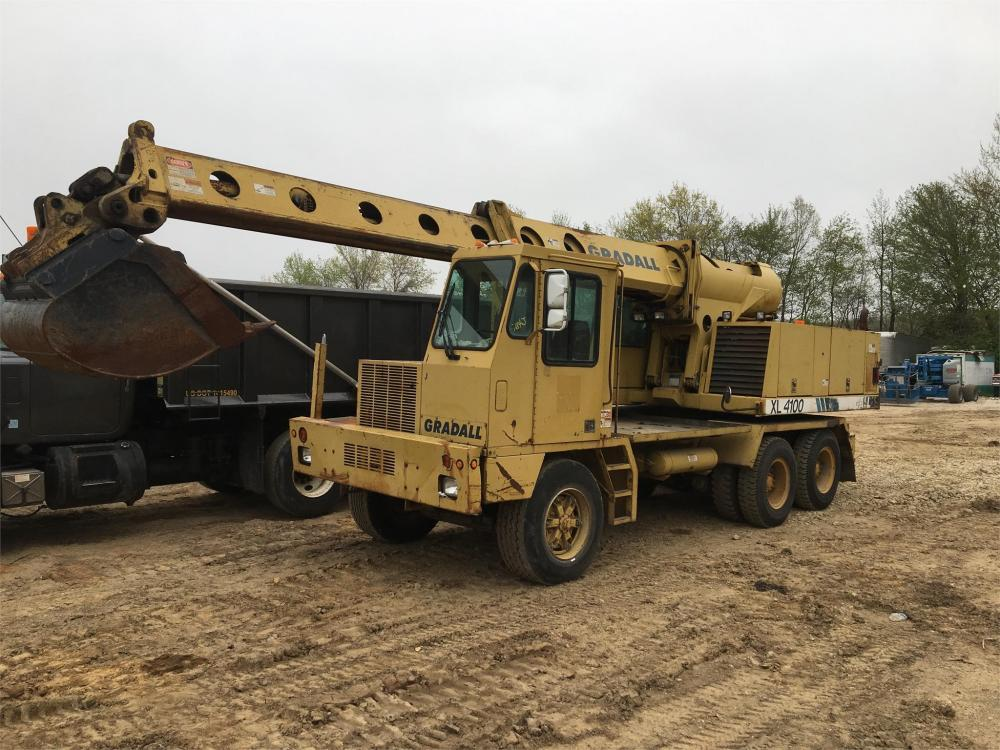 Detail photo of 2001 Gradall XL4100 from Construction Equipment Guide