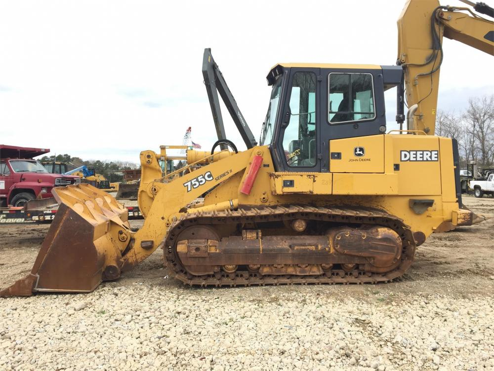 Detail photo of 2004 John Deere 755C from Construction Equipment Guide