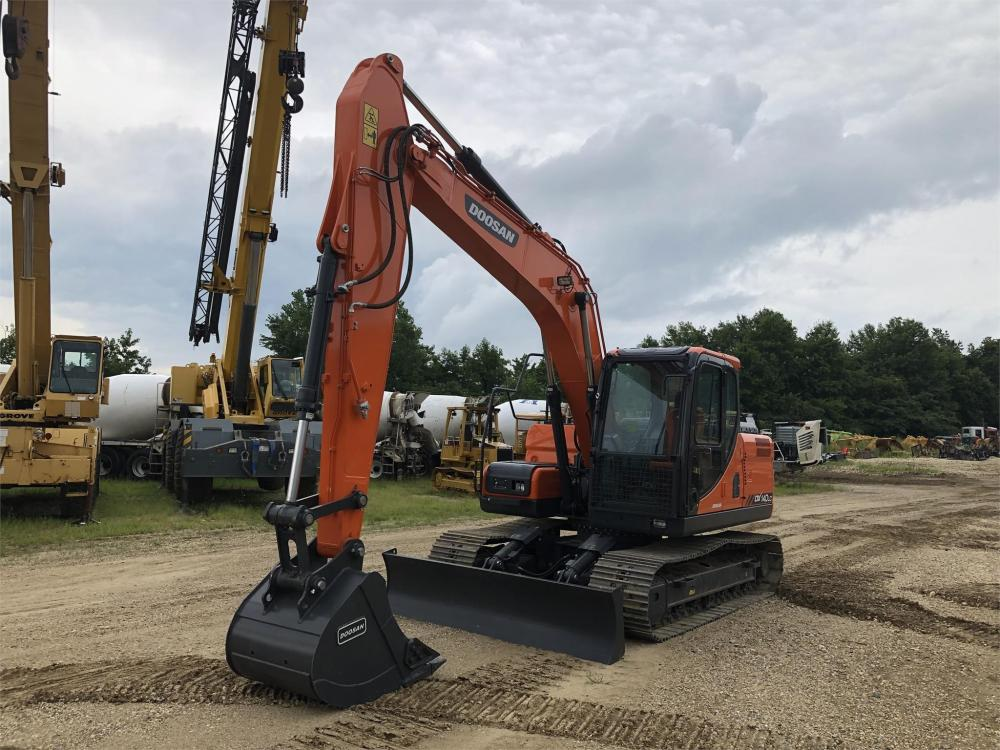 Detail photo of 2018 Doosan DX140LC from Construction Equipment Guide