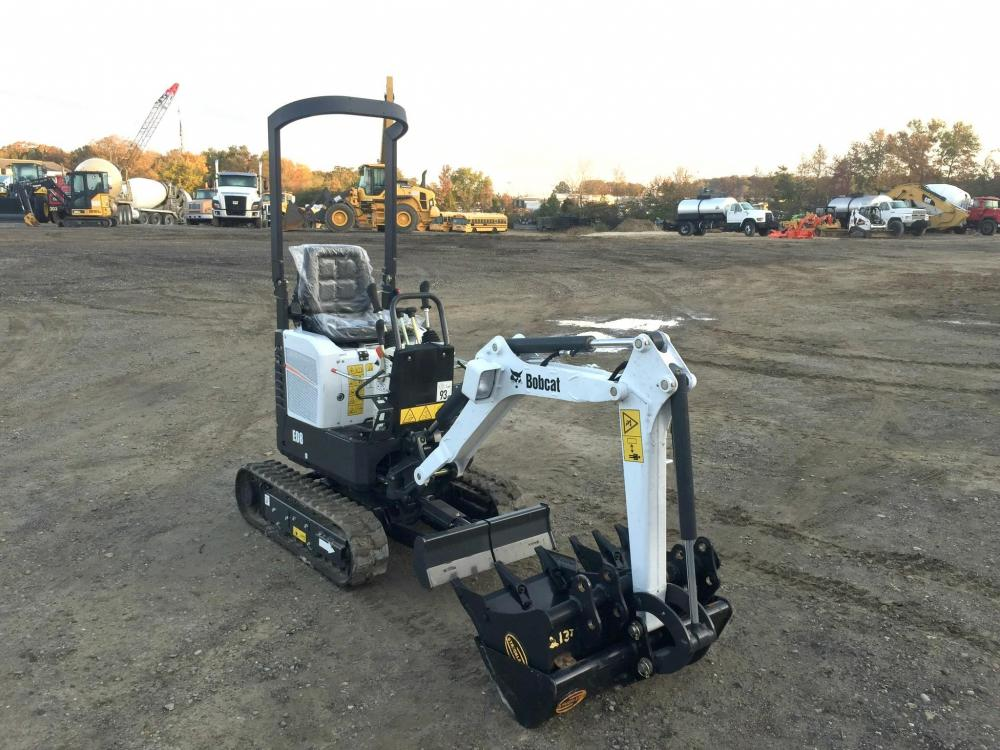 Detail photo of 2017 Bobcat E08 from Construction Equipment Guide