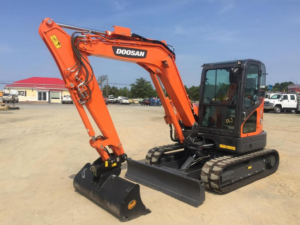 Detail photo of 2017 Doosan DX63-3 from Construction Equipment Guide