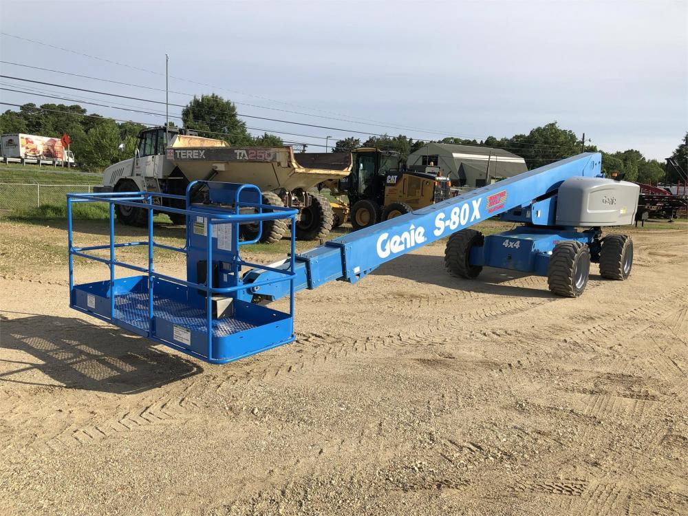 Detail photo of 2011 Genie S-80X from Construction Equipment Guide