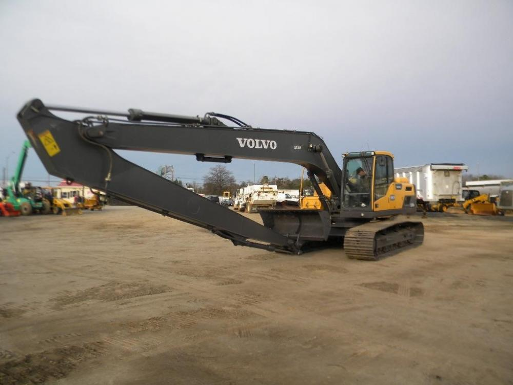 Detail photo of 2013 Volvo EC220D LR from Construction Equipment Guide