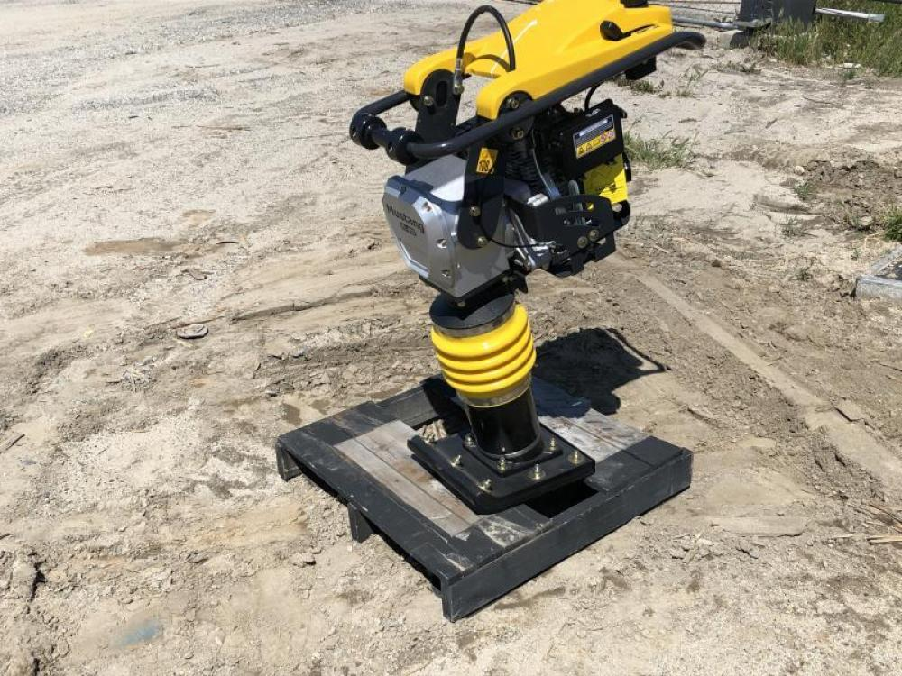 Detail photo of  Mustang ML80D from Construction Equipment Guide