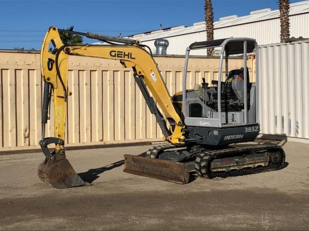 Detail photo of 2010 Gehl 383Z from Construction Equipment Guide