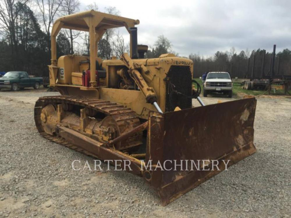 Detail photo of 1972 Caterpillar D6C from Construction Equipment Guide