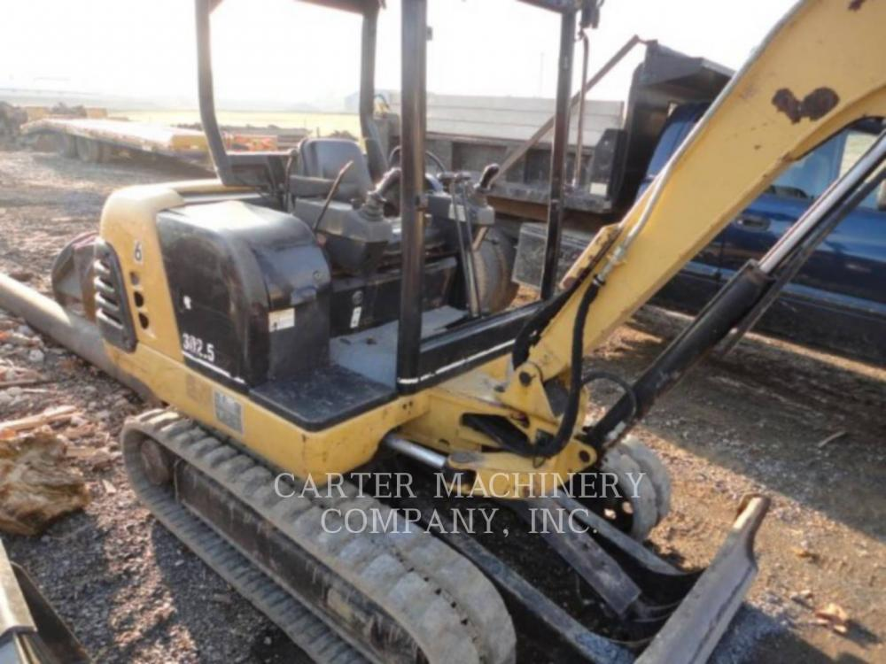 Detail photo of 2001 Caterpillar 302.5 from Construction Equipment Guide