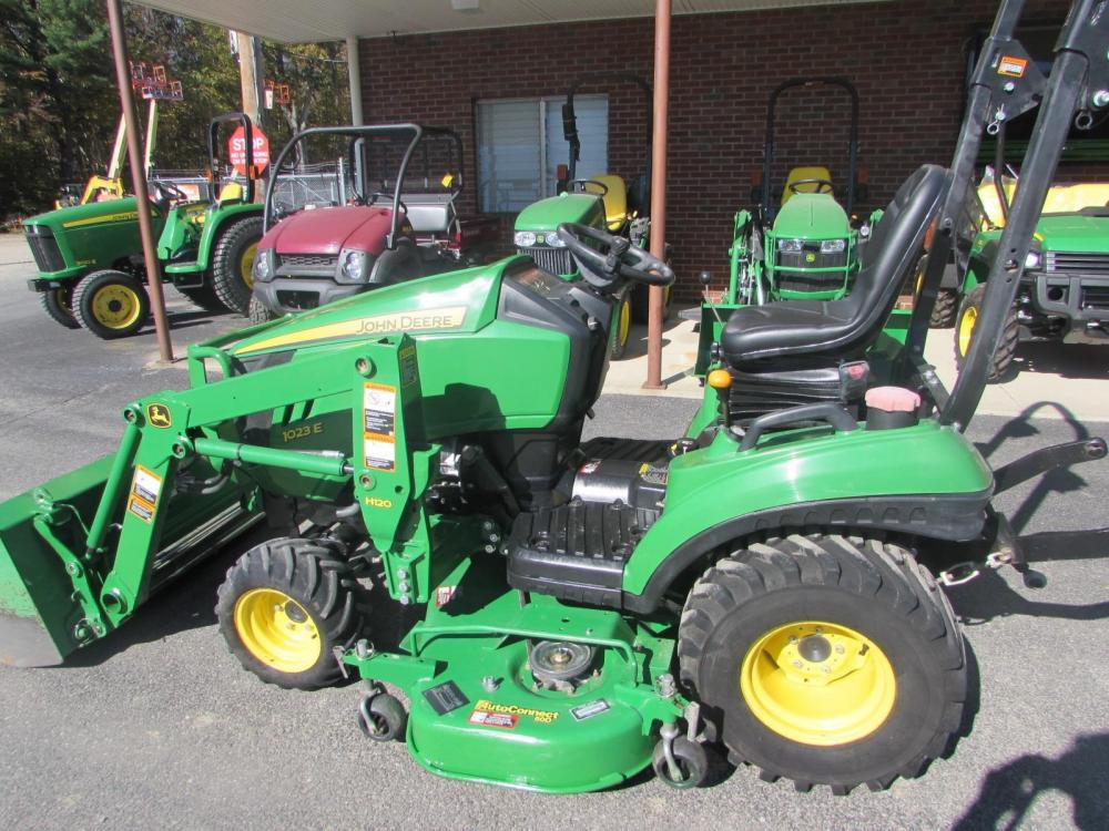 Detail photo of 2012 John Deere 1023E from Construction Equipment Guide