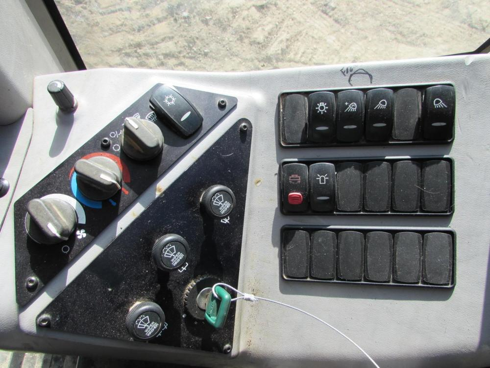 Detail photo of 2007 Volvo G930 from Construction Equipment Guide