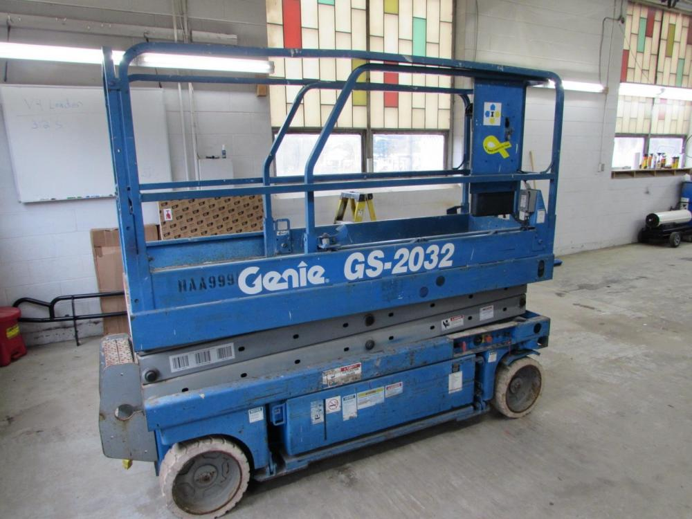Detail photo of 2001 Genie GS-2032 from Construction Equipment Guide