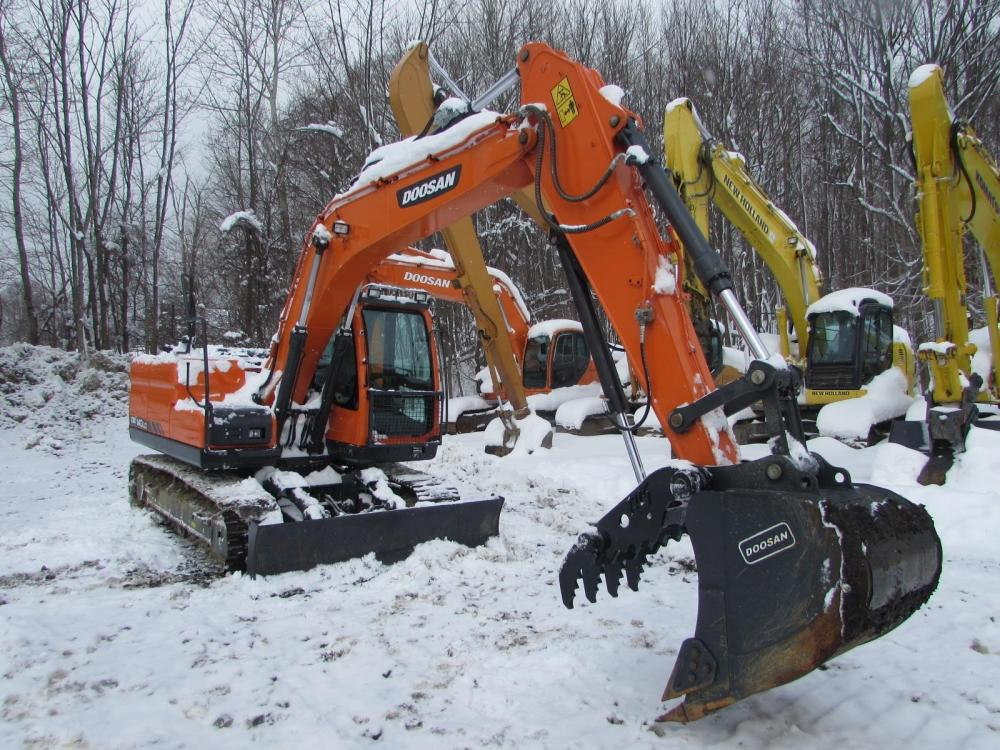 Detail photo of 2016 Doosan DX140LC from Construction Equipment Guide