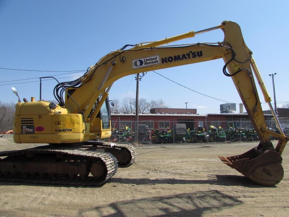 Detail photo of 2011 Komatsu PC228USLC-8 from Construction Equipment Guide