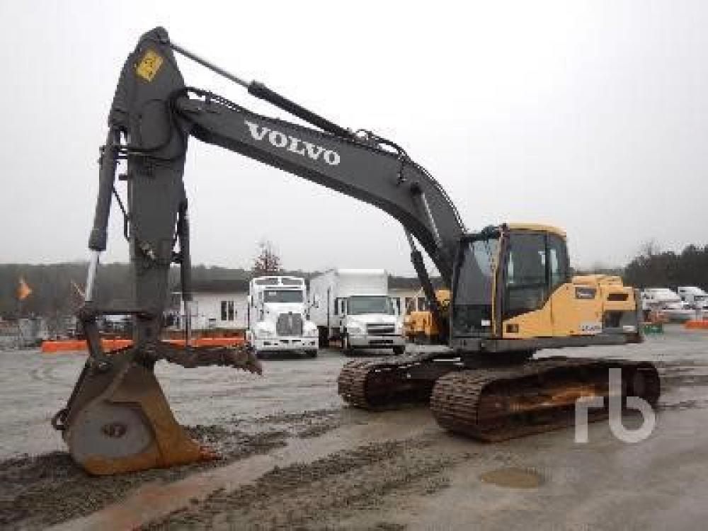 Detail photo of 2013 Volvo EC220DL from Construction Equipment Guide