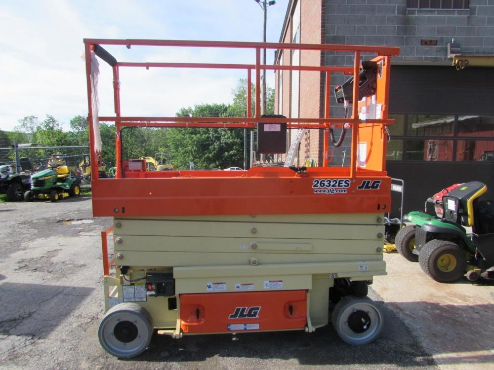 Detail photo of 2016 JLG 2632ES from Construction Equipment Guide