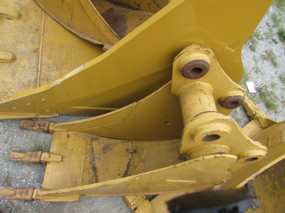 Detail photo of 2016 Caterpillar 2395986 from Construction Equipment Guide