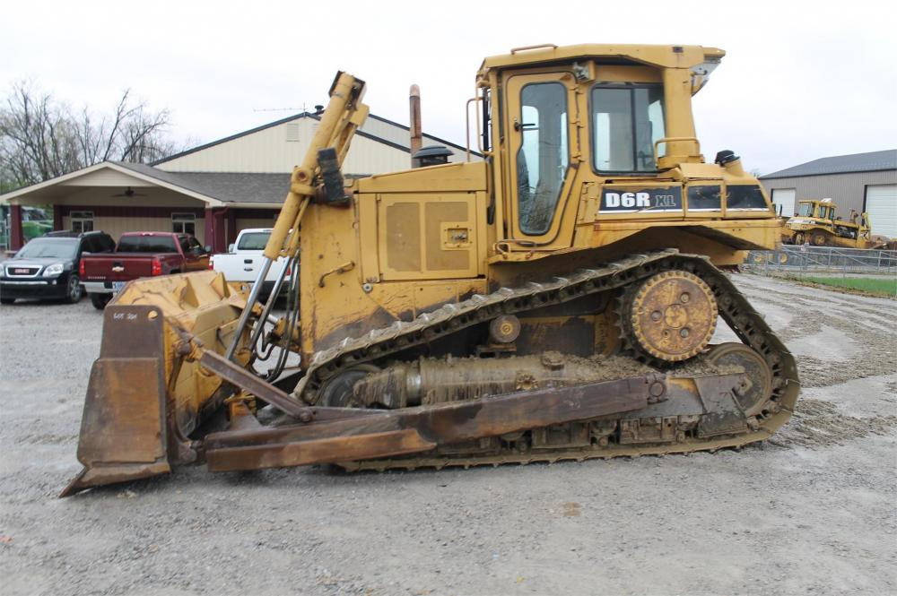 Detail photo of 1998 Caterpillar D6R XL from Construction Equipment Guide
