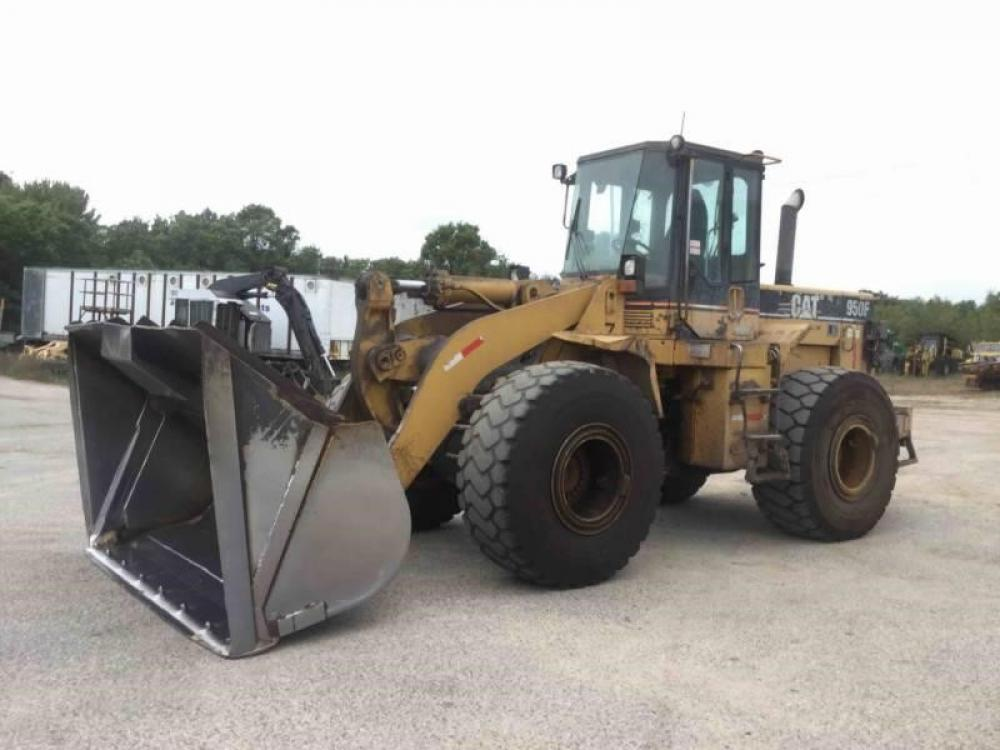 Detail photo of 1997 Caterpillar 950F II from Construction Equipment Guide