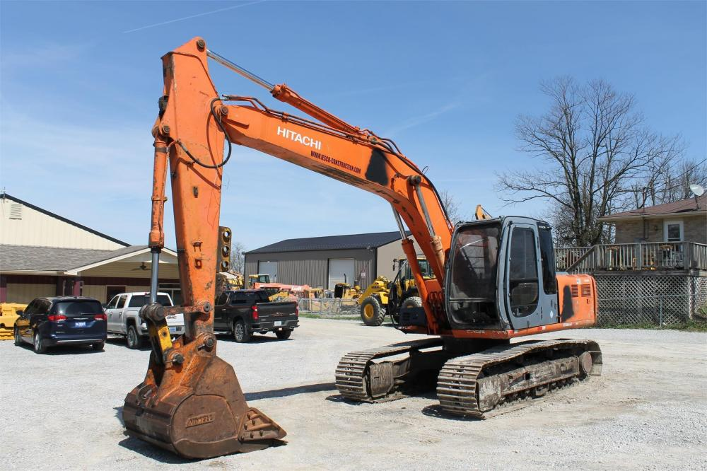 Detail photo of 2000 Hitachi EX160LC from Construction Equipment Guide