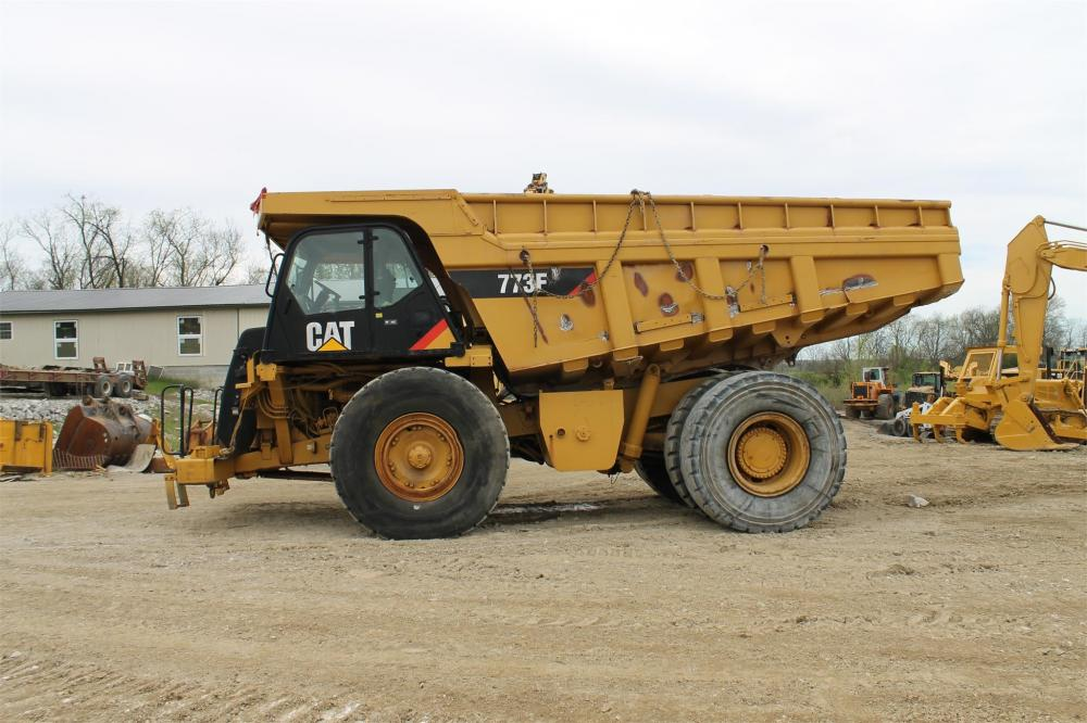 Detail photo of 2009 Caterpillar 773F from Construction Equipment Guide