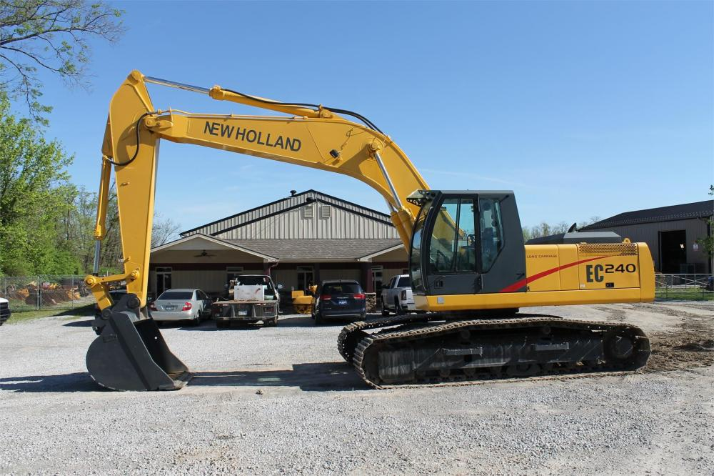 Detail photo of 2004 New Holland EC240 LC from Construction Equipment Guide
