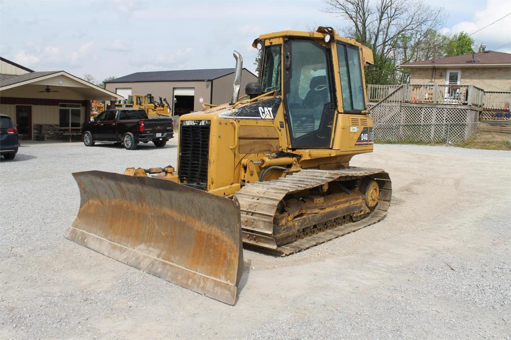 Detail photo of 2006 Caterpillar D4G LGP from Construction Equipment Guide