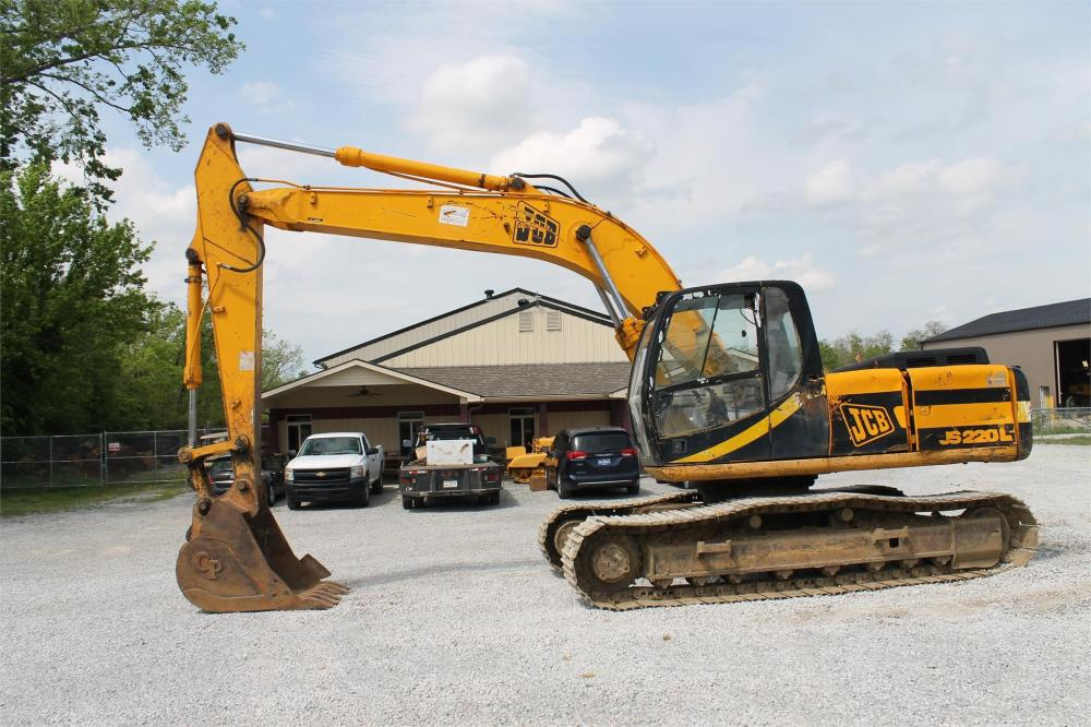 Detail photo of  JCB JS200L from Construction Equipment Guide