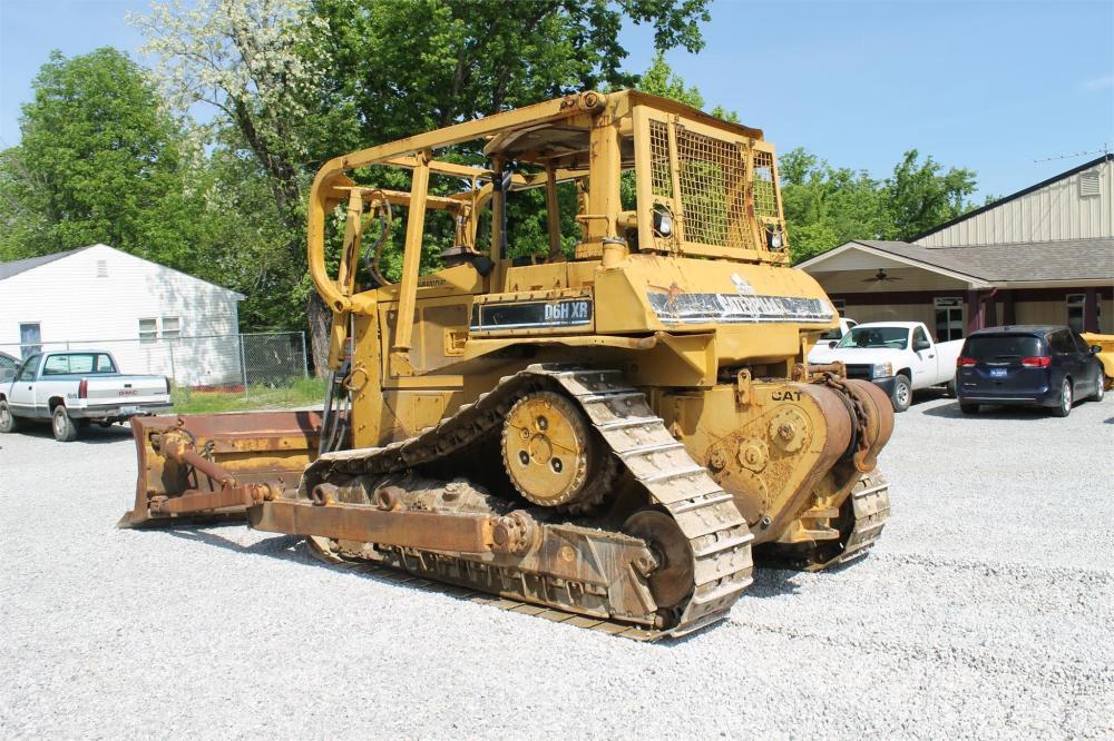 Detail photo of 1993 Caterpillar D6H XR from Construction Equipment Guide