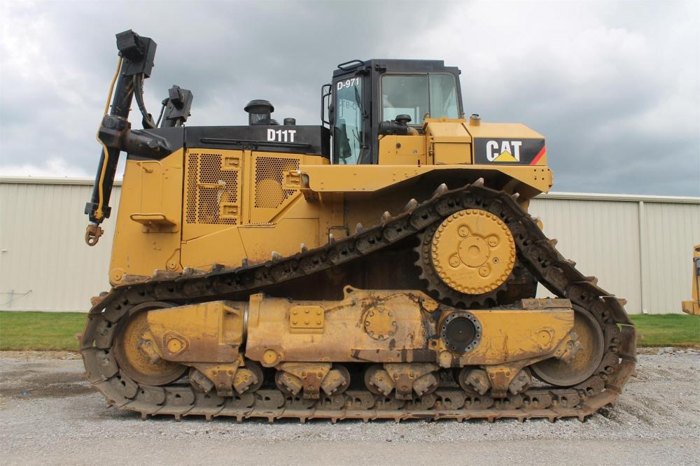 Detail photo of 2011 Caterpillar D11T from Construction Equipment Guide