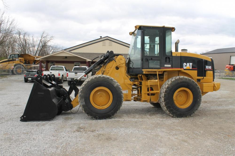 Detail photo of 2002 Caterpillar 924G from Construction Equipment Guide