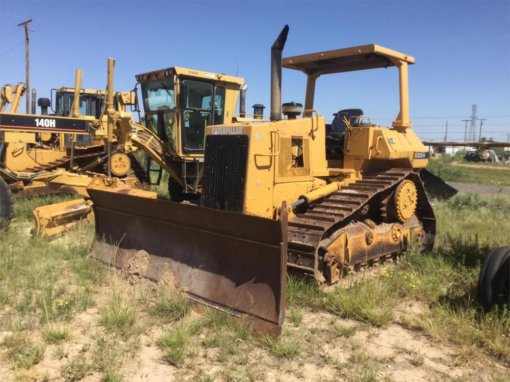 Detail photo of 1986 Caterpillar D5H from Construction Equipment Guide