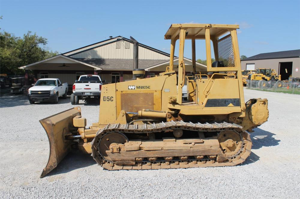 Detail photo of 1993 Caterpillar D5C from Construction Equipment Guide