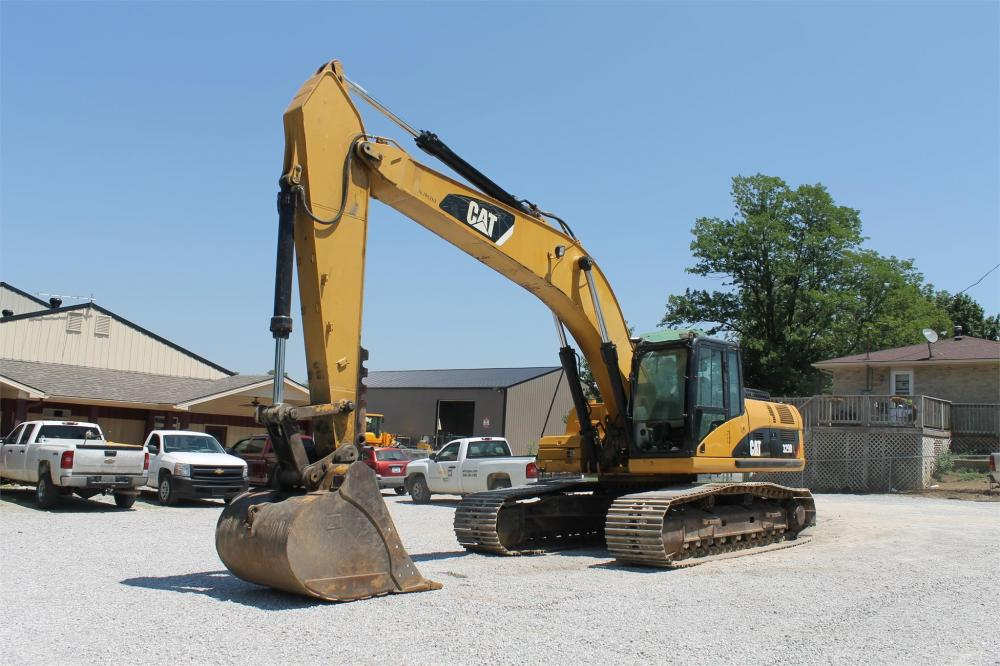 Detail photo of 2009 Caterpillar 329DL from Construction Equipment Guide
