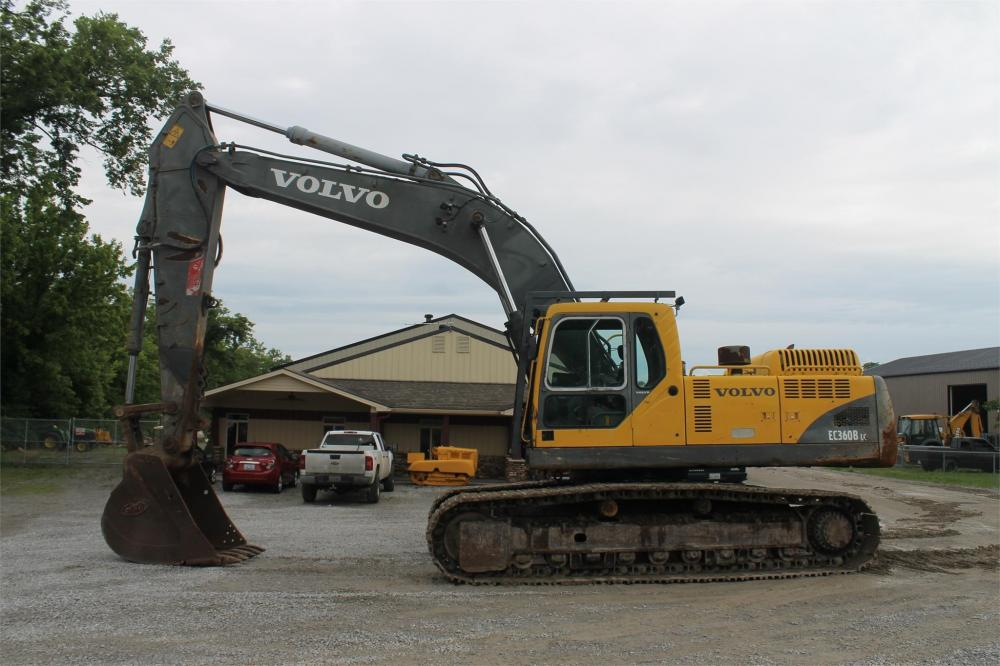 Detail photo of 2005 Volvo EC360BLC from Construction Equipment Guide