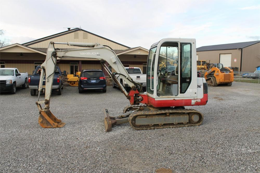 Detail photo of 2002 Takeuchi TB135 from Construction Equipment Guide