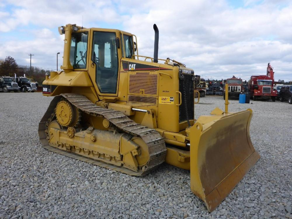Detail photo of 2005 Caterpillar D6N XL from Construction Equipment Guide