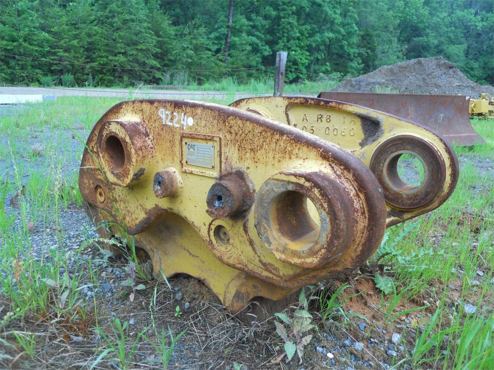 Detail photo of  Caterpillar 330B/C from Construction Equipment Guide