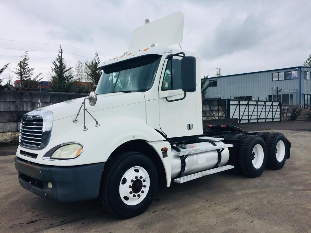 Detail photo of 2006 FREIGHTLINER COLUMBIA 120 from Construction Equipment Guide