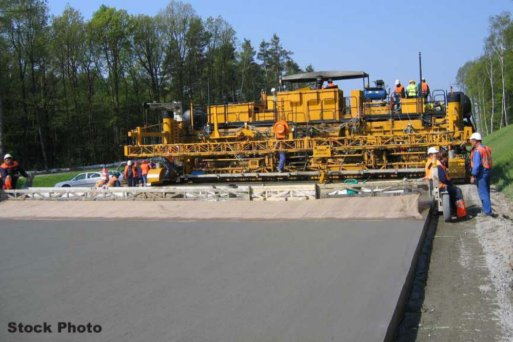 Detail photo of 2000 Gomaco GP4000 from Construction Equipment Guide