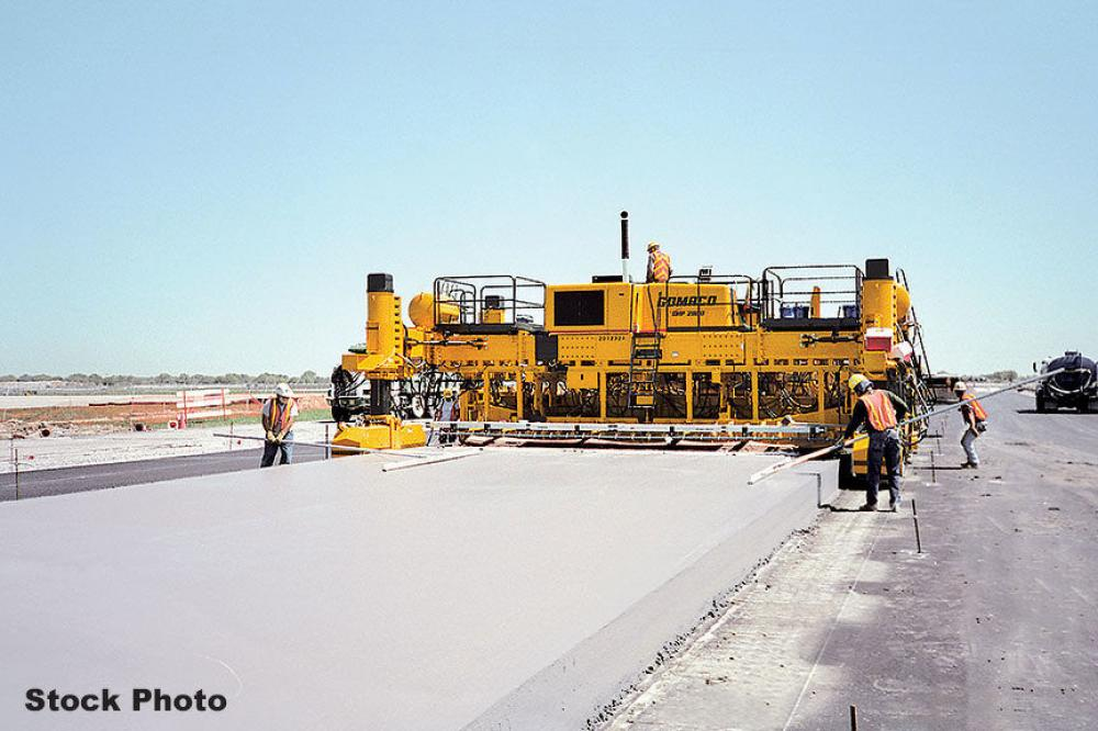 Detail photo of 2001 Gomaco GHP-2800 from Construction Equipment Guide