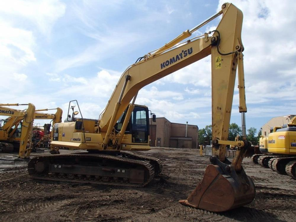 Detail photo of 2006 Komatsu PC200LC-8 from Construction Equipment Guide